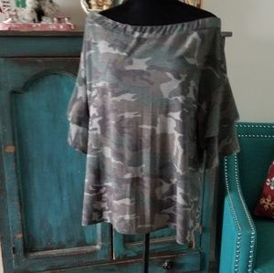 Tops - Boutique off the shoulder camo top..ruffle sleeve